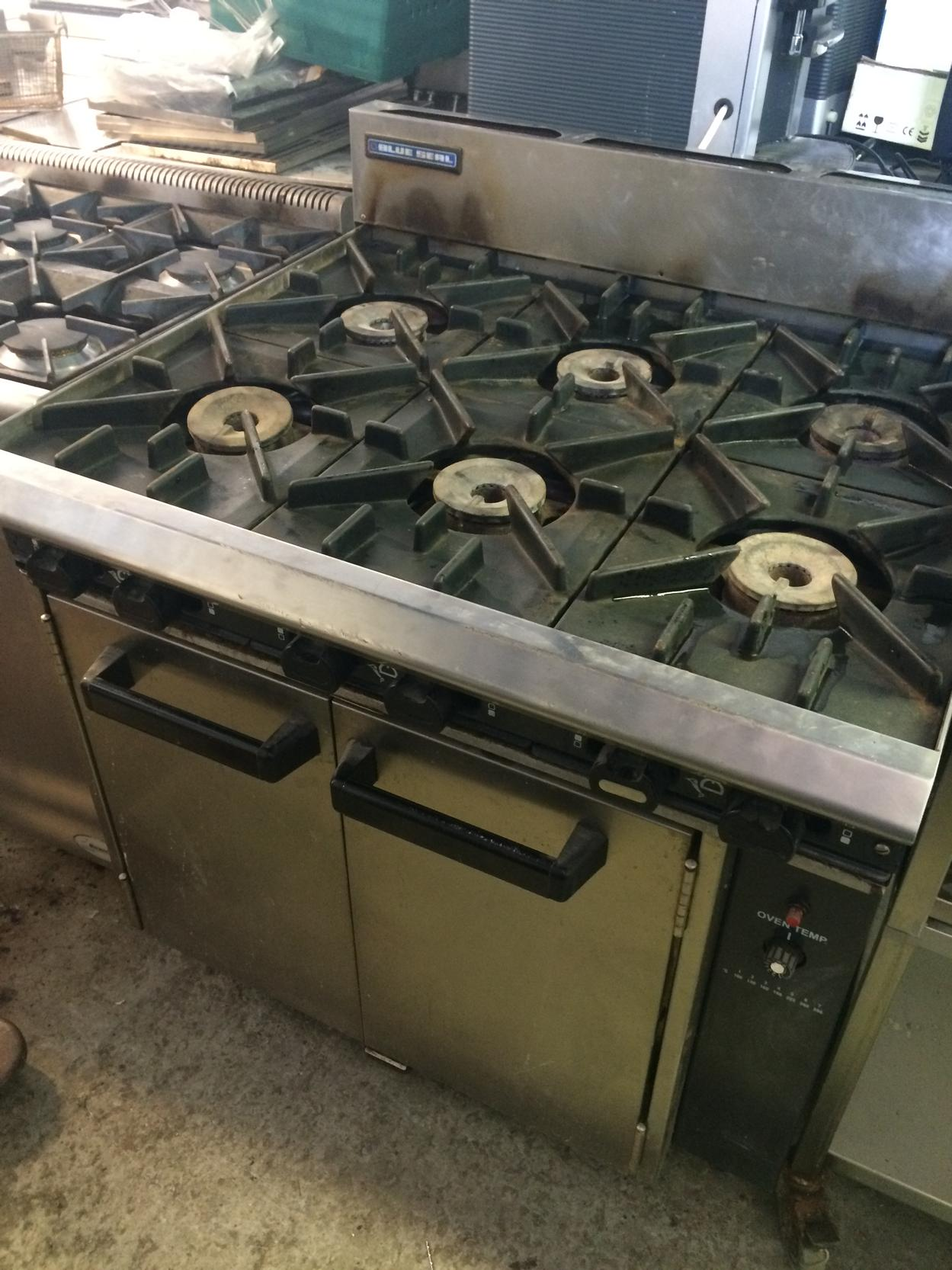 Blue Seal 6 burner gas cooker