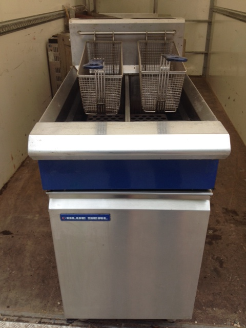 Blue Seal GT46 twin tank gas fryer