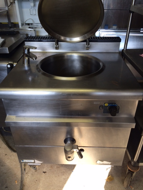Bonnet gas boiling pan
