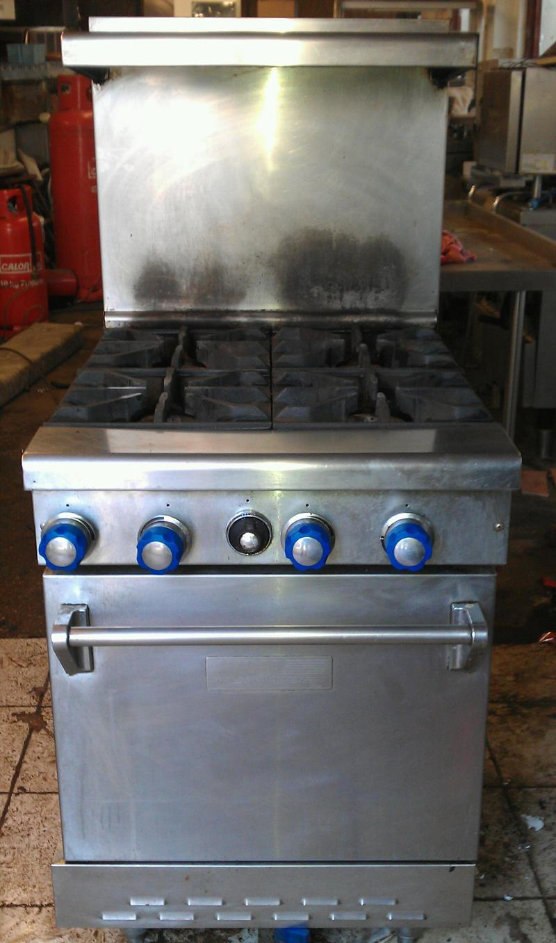 Fields and Pimblett 4 burner gas cooker