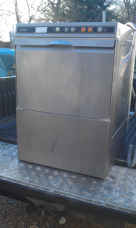 Hobart Ecomax frontloading dishwaher