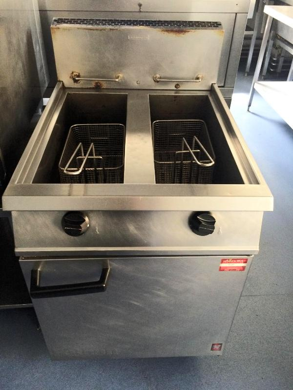 Falcon Dominator twin tank gas fryer