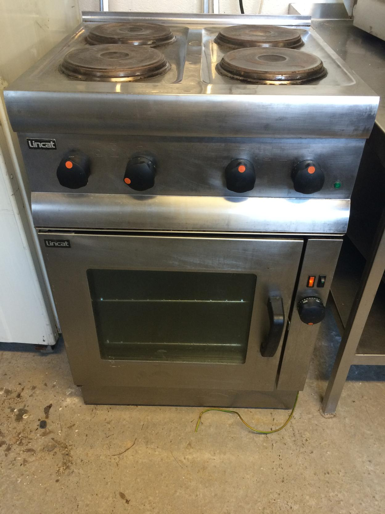 Lincat 4 ring electric hob with oven