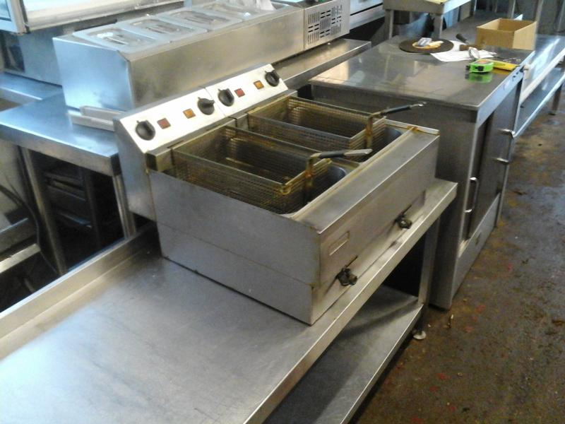 Lincat twin tank electric fryer