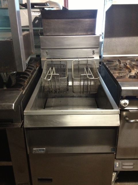 Pitco single tank twin basket fryer