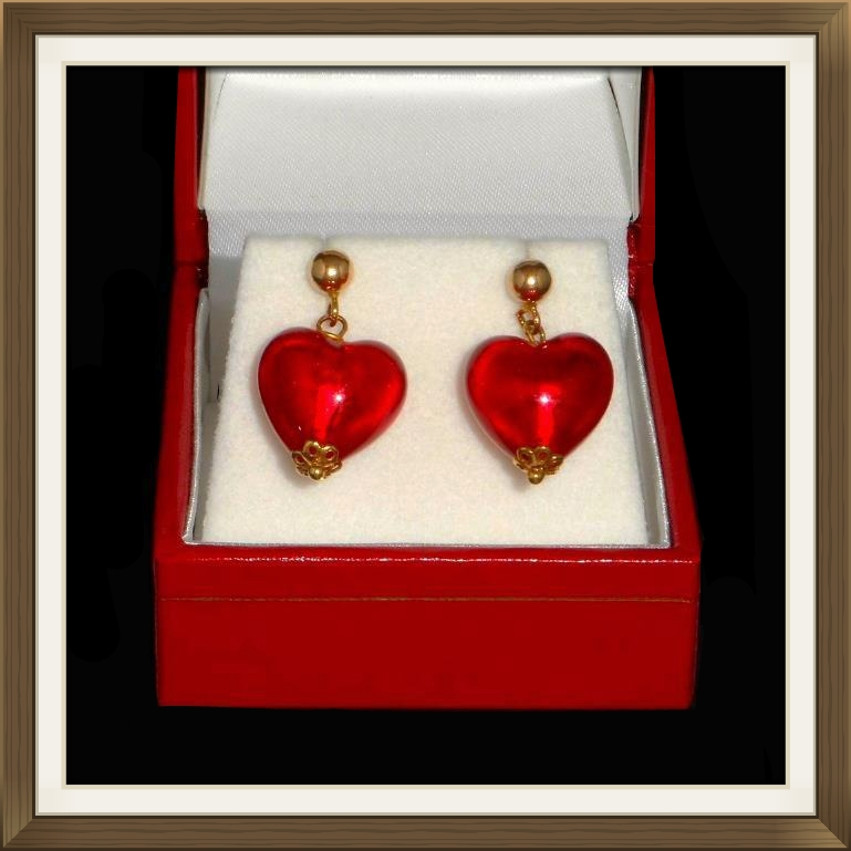 Stunning 9ct Gold Red Glass Heart Earrings