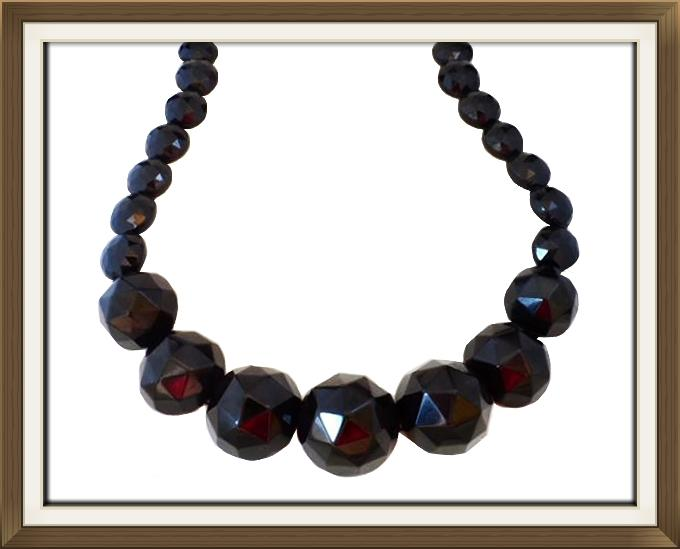 Art Deco Faceted Bead Necklace
