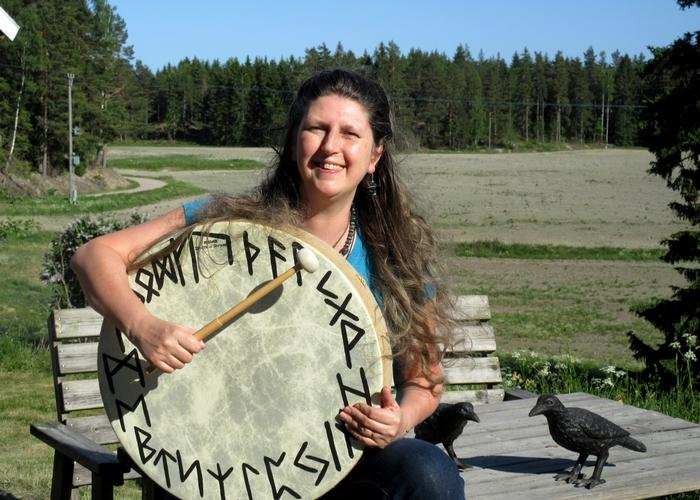 The Runes: Uthark versus Futhark Imelda Almqvist, teacher of Seidr and Northern Tradition material, discusses what the rune row known as Uthark is and how it relates to the Futhark.