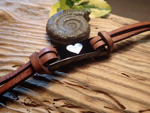 Womens Whitby Jet  MOP Heart Bracelet