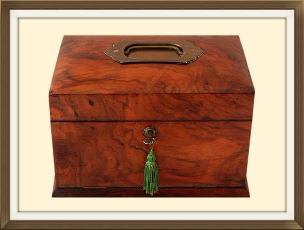 Beautiful Antique Walnut Veneered Jewellery Box
