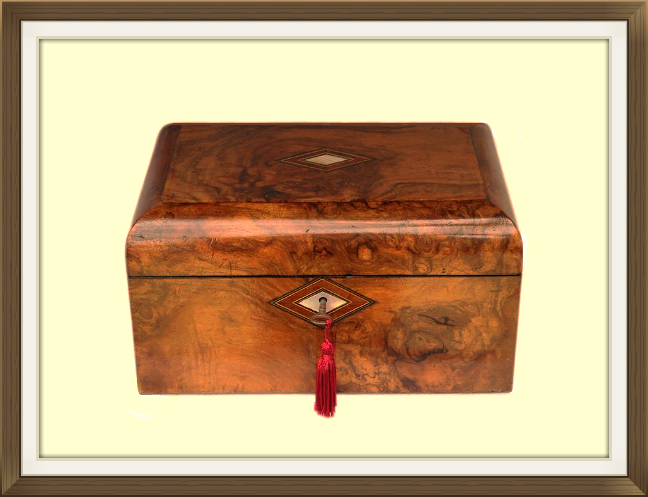648pxlarge_antique_walnut_jewellery_box.jpeg
