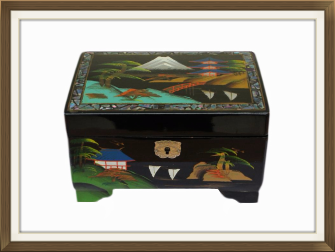 670pxvintage_musical_japanese_lacquered_jewellery_box.jpeg