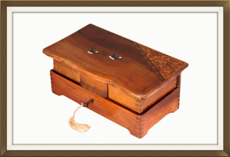 763pxvintage_italian_inlaid_relined_swallow_box.jpeg