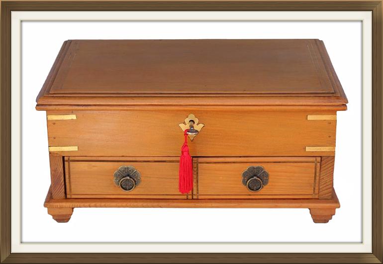 770pxlarge_antique_pine_jewellery_box.jpeg