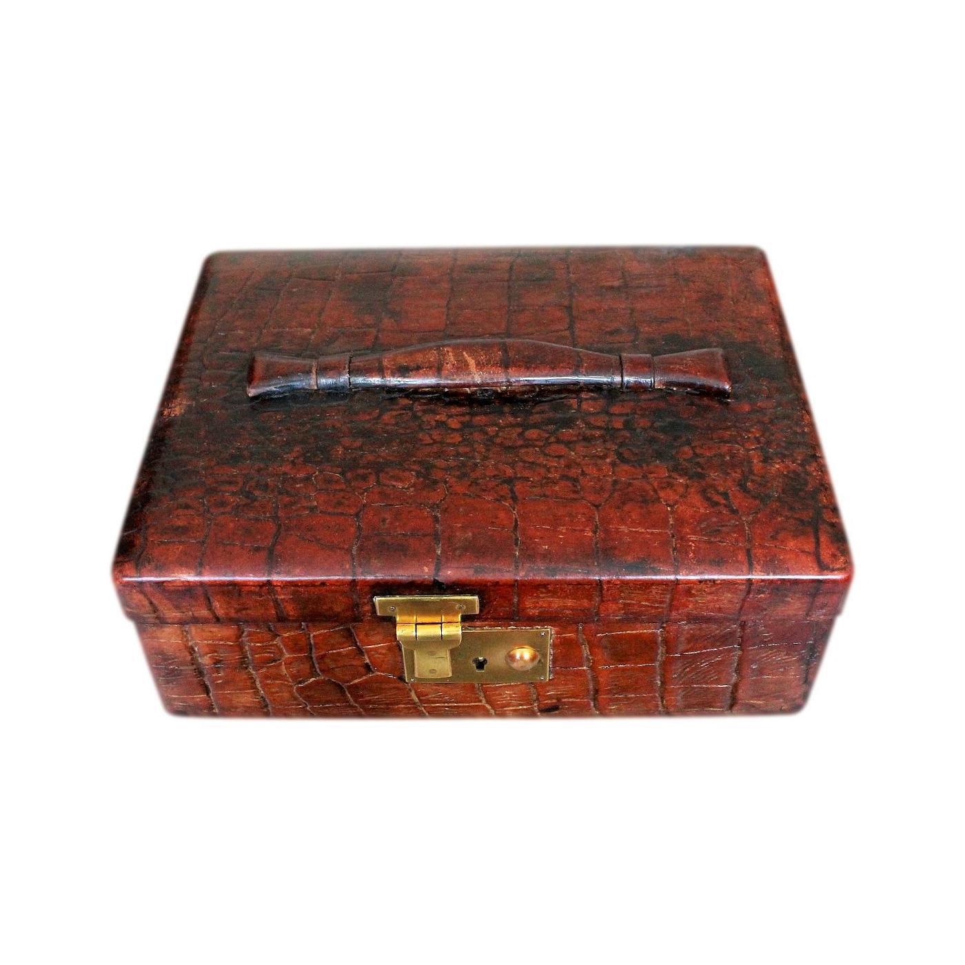 Stylish Art Deco Alligator Skin Jewellery Box