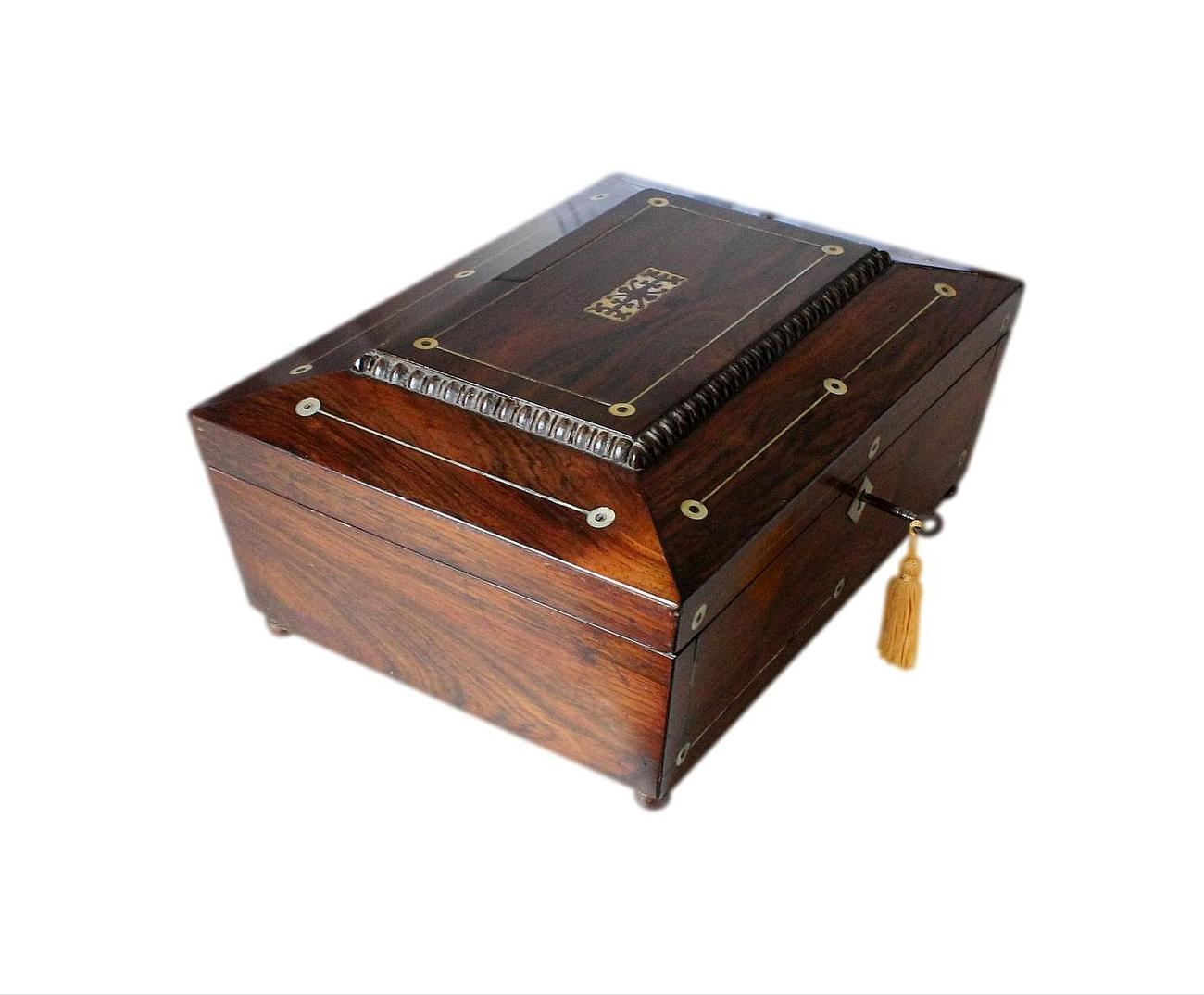 Large_Rosewood_jewellery_box_with_print_2.jpg