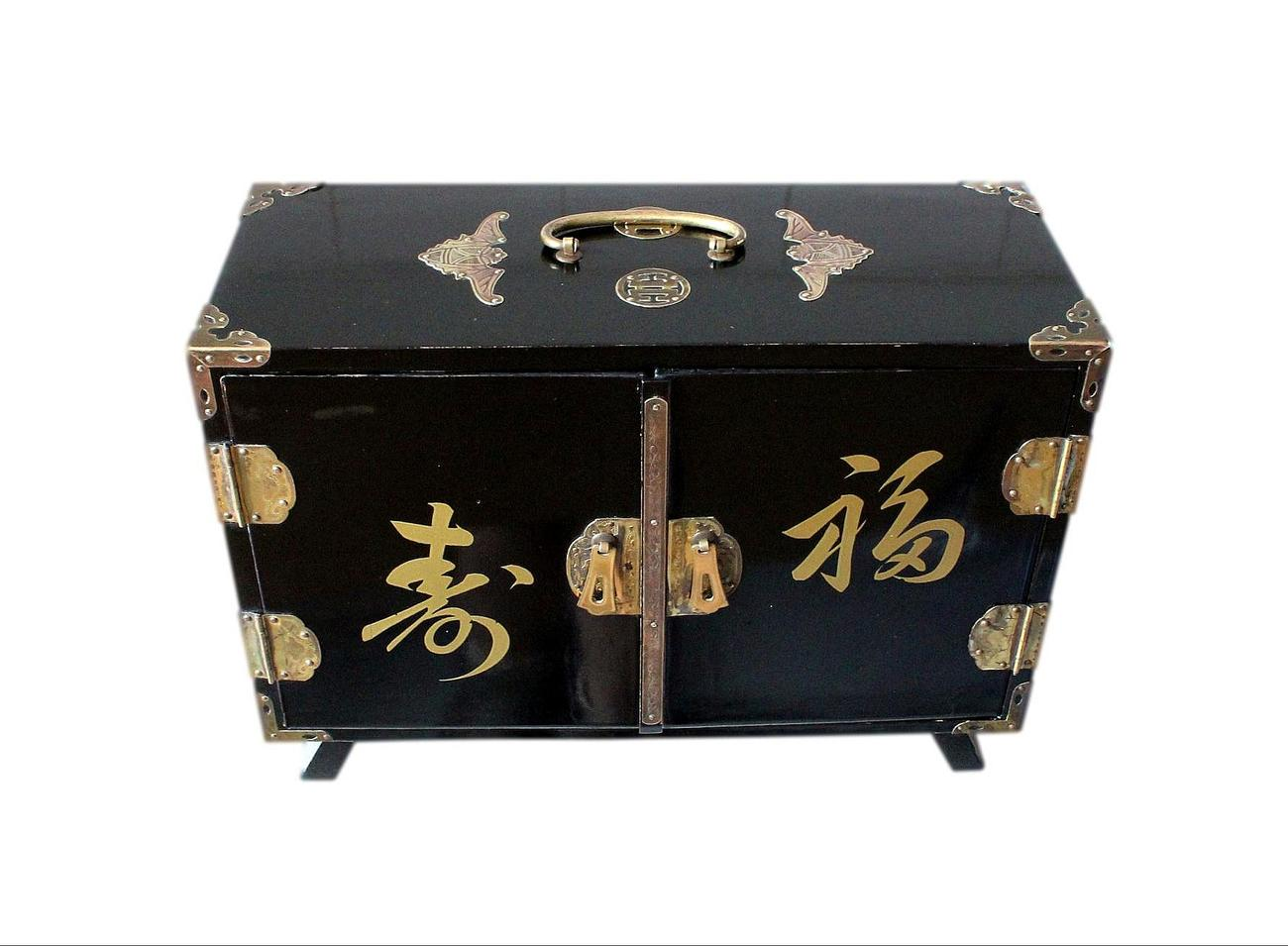 Large_vintage_Jap_Geisha_jewellery_box.jpg