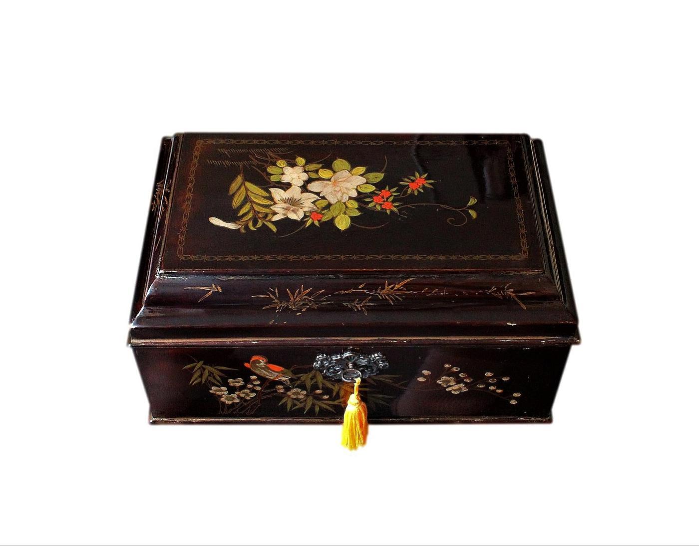 Beautifully Refurbished Late 19thC Oriental Antique Jewellery Box
