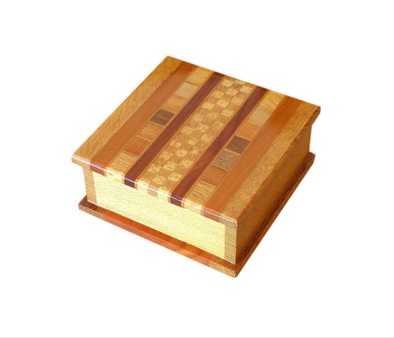 NZ_native_timbers_jewellery_box_4.jpg