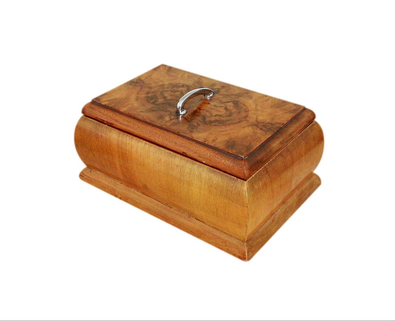 Quadrant_Cut_Vintage_Walnut_Jewellery_Box.jpg