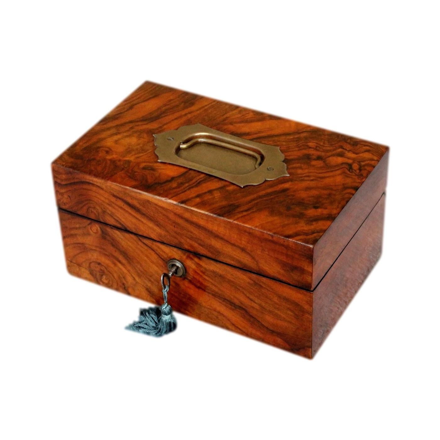 Antique Beautifully Figured Walnut Victorian Jewellery Box