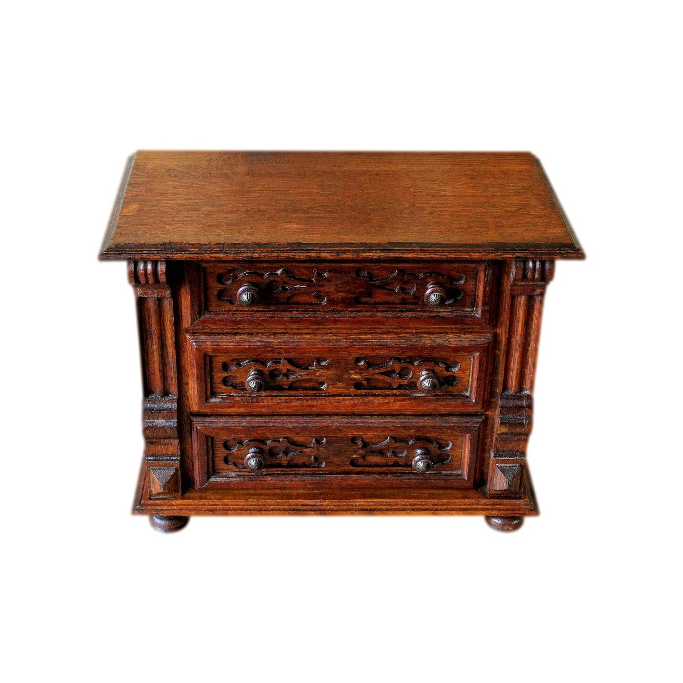 Large Art Nouveau Arts And Crafts Solid Oak  Jewellery Chest