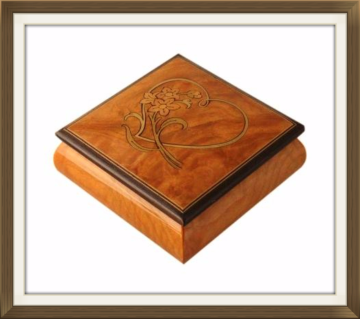 small_inlaid_heart_flowers_jewellery_box_4.jpeg
