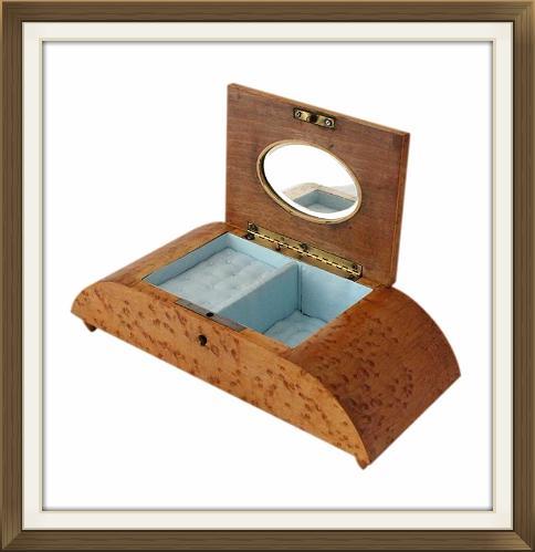 small_vintage_italian_inlaid_musical_jewellery_box_5.jpeg
