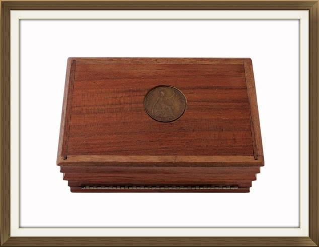 vintage_30s_coin_inset_oak_box_5.jpeg