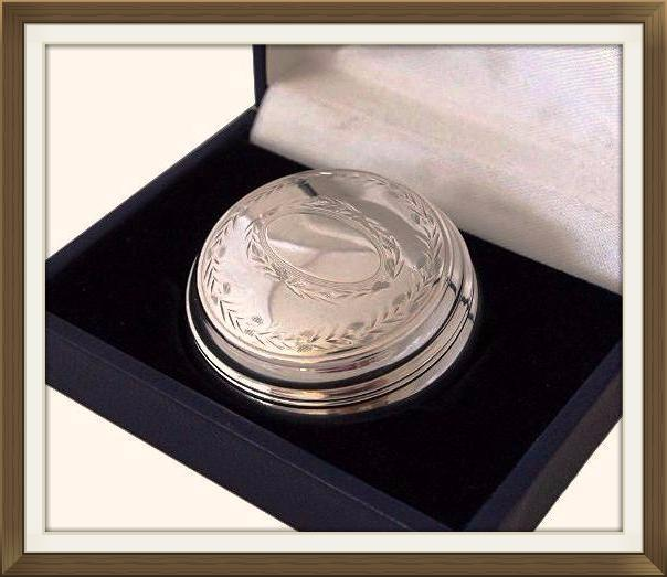 Lovely Engraved Vintage Hallmarked Silver Pill Box