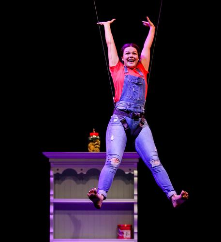 Reach - Review - Circomedia,  Bristol A circus aimed at children aged 4-10