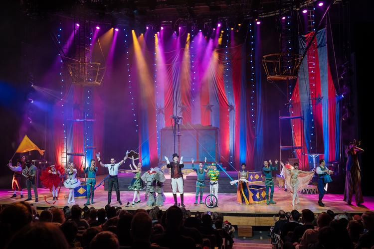 Circus 1903 - Review - Royal Festival Hall, Southbank Centre Circus and Christmas: a good match