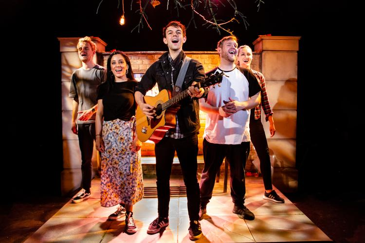 Fiver - Review -  Southwark Playhouse The story of a £5 note going through the hands of different people