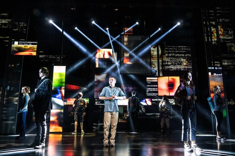 Dear Evan Hansen - Review - Noel Coward Theatre A suicide. A lie. The unexpected.