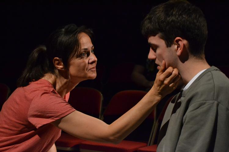 Four o'clock flowers - Review - Space Theatre There are no winners in this story