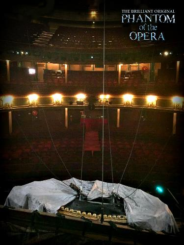 The Phantom cuts the orchestra - News The show will be back with a reduced number of musicians