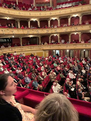 Theatres and social distancing - News What is happening to theatres around the world?