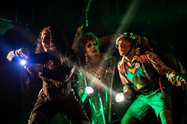 Escape From Planet Trash - Review - The Pleasance Drag queens are going to space