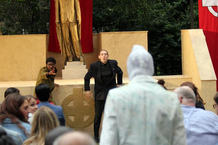 Hamlet - Review - St Paul's Church in Covent Garden An exploration of identity, gender and meaning