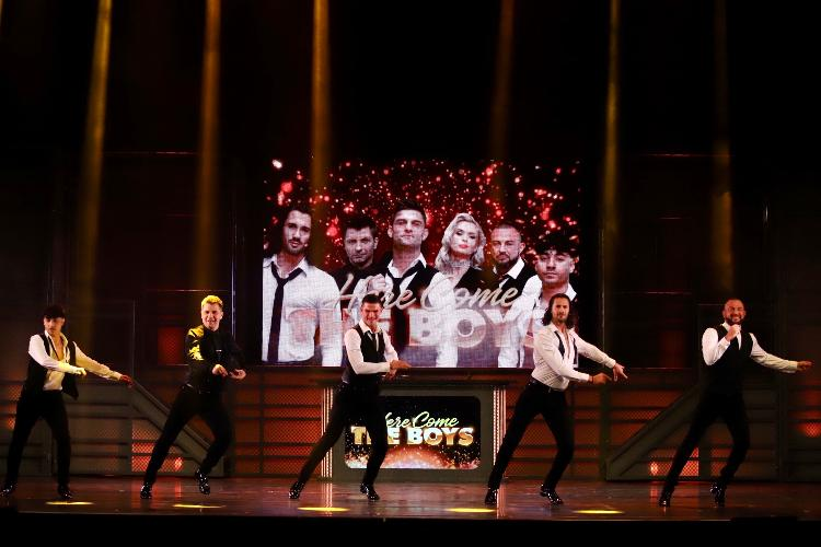 Here come the boys - Review - London Palladium Are you ready to dance?
