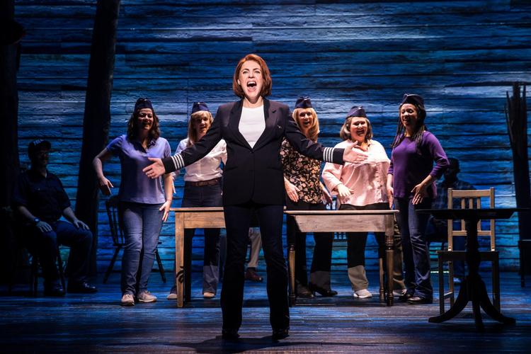 Come from away - Review - Phoenix Theatre Love wins everything
