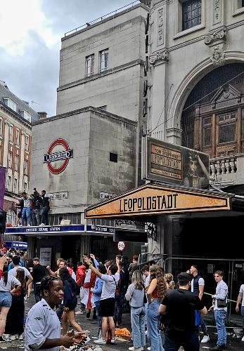 Theatres deserve better, says Cameron Mackintosh - News Football fans vandalised Wyndham's Theatre