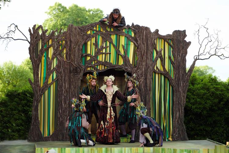 "A Midsummer Night's Dream - Review - St John's Lodge Garden – The Regent's Park ""Lord, what fools these mortals be!"