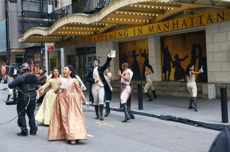 Hamilton at Macy's Thanksgiving Day Parade - News The cast  performed