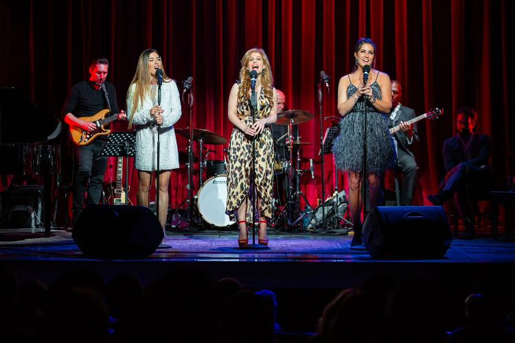 Monday Night at the Apollo - Review - Apollo Theatre The concert in support of Acting for Others