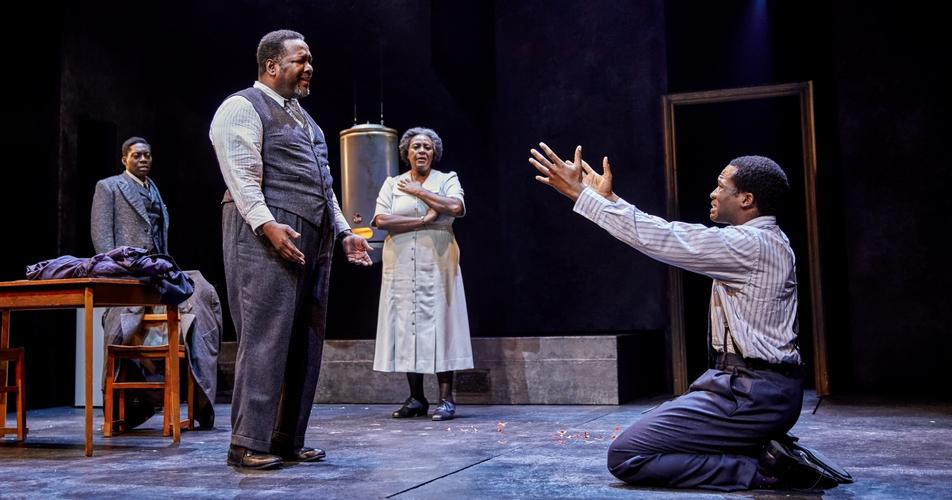 Death of a Salesman - Review - Piccadilly Theatre A spectacular tour-de-force
