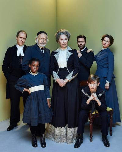 Fanny and Alexander - Review - The Old Vic Ingmar Bergam's masterpiece is at The Old Vic