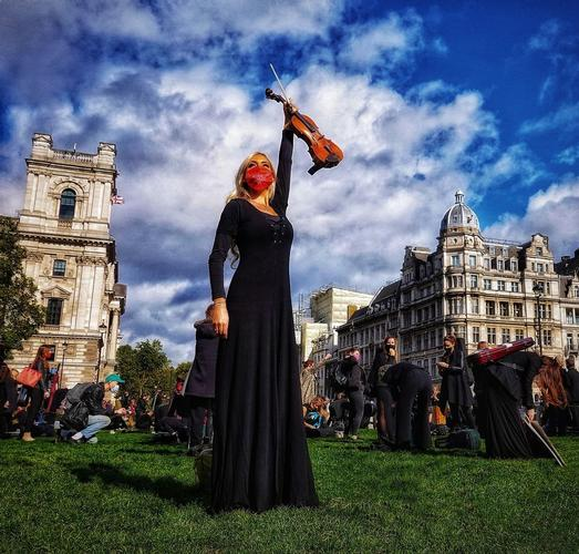 A moving musical protest in Parliament Square - News