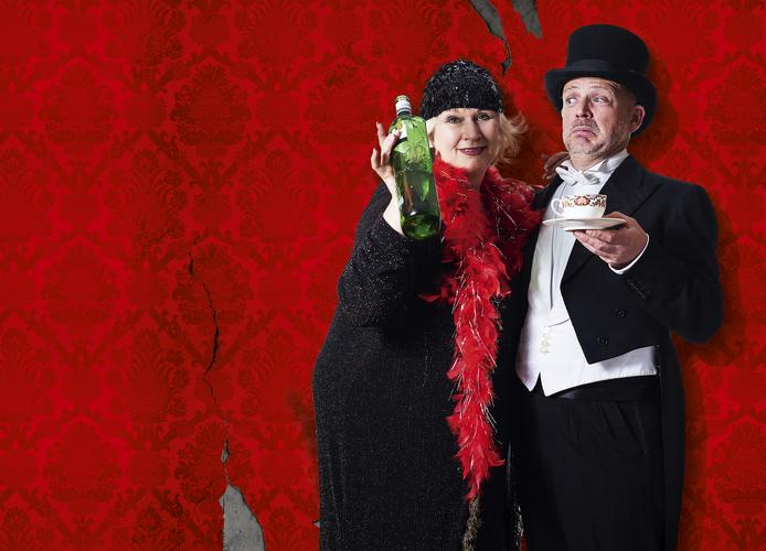 A Right Royale Tea - Review - Charing Cross A new participatory comedy afternoon tea performance