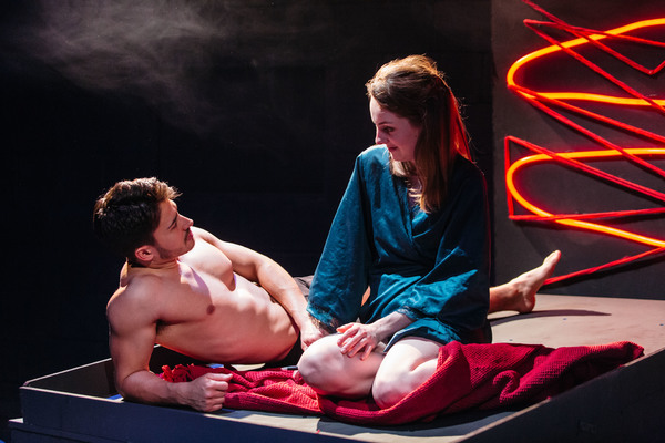 LOVE ME NOW – Review – Tristan Bates Theatre Love, sex and Tinder